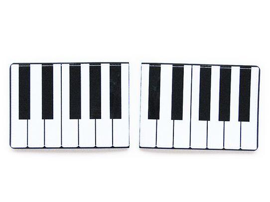 Обложка для студенческого ПианиноПодарки<br>Пианино в вашем кармане.<br>Размер: None; Объем: None; Материал: ПВХ; Цвет: Белый / Черный;