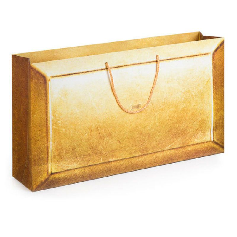 Студийный подарочный пакет 57.5 х 32Подарки<br>Студийный пакет для всех видов подарка.<br>Размер: 57,5 х 32 х 13 см; Объем: None; Материал: Бумага; Цвет: Бежевый;