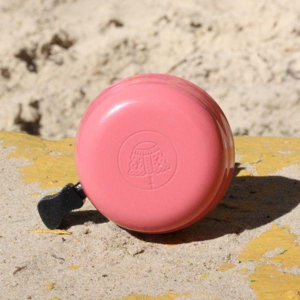 Звонок для велосипеда it`s my!bike РозовыйПодарки<br>Звонок для велосипеда it`s my!bike Розовый<br>Размер: None; Объем: None; Материал: Сталь; Цвет: Розовый;