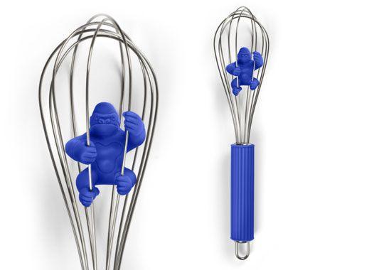 Венчик для взбивания Kitchen KongПодарки<br>Венчик для взбивания - Kitchen Kong<br>Размер: 2.5 x 3.75 x 13.5 см.; Объем: None; Материал: АБС-пластик, цинк, сталь; Цвет: Синий;
