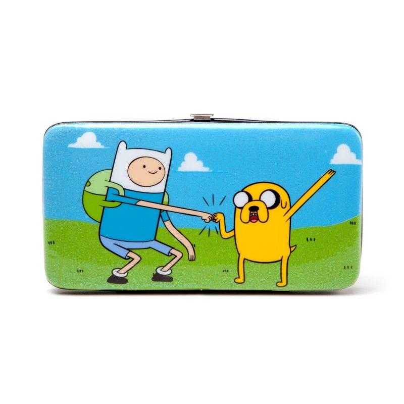 Кошелек Adventure Time Jake &amp; Finn Box Hinge WalletПодарки<br>Кошелек Adventure Time Jake &amp;amp; Finn Box Hinge Wallet<br> <br> Кошелек Adventure Time - Finn &amp;amp; Jake выполнен по мотивам самого популярного мультсериала Adventure Time и принесет бур...<br>Размер: 20 х 9.5 х 2 см; Объем: None; Материал: Полипропилен; Цвет: Белый / Голубой;