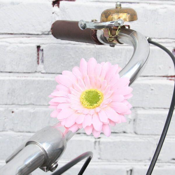 Украшение на руль велосипеда Цветок РозовыйПодарки<br>Удивительное сочетание лета и необычного подарка.<br>Размер: 10 см; Объем: None; Материал: Текстиль; Цвет: Розовый;