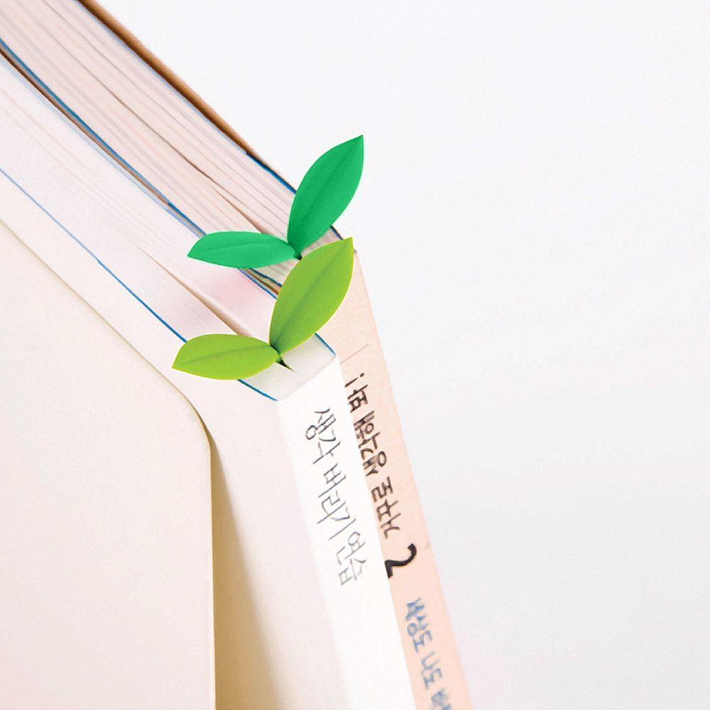 Закладка для книг SproutПодарки<br>Набор из шести небольших закладок для книг, выполненных в форме стебелька с парой листочков. Отлично подходит для пометки нужных страниц и ...<br>Размер: 6.8 х 3 х 20.3 см.; Объем: None; Материал: Пластик; Цвет: Зеленый;