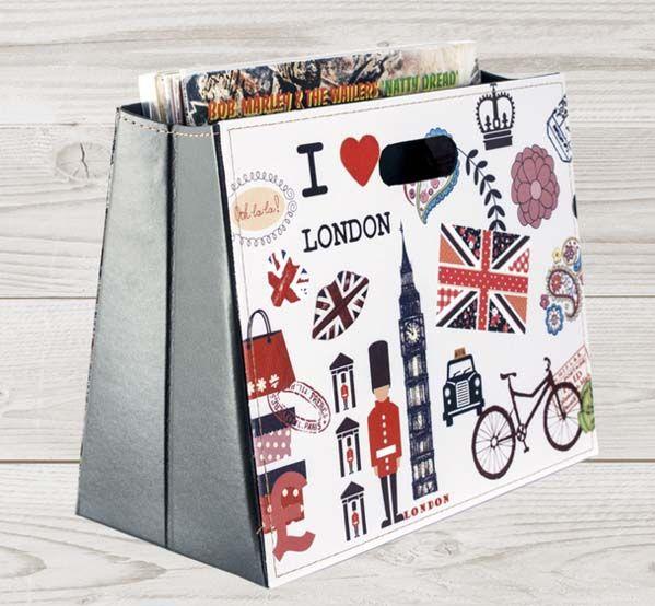 Газетница складная I Love LondonПодарки<br>Газетница складная в лондонском стиле.<br>Размер: 37 х 19 х 30 см; Объем: None; Материал: Искусственная кожа; Цвет: Белый;