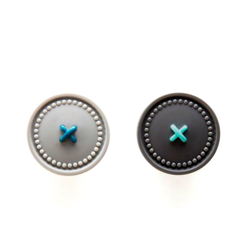 Держатели для полотенец Button up серыеИнтерьер<br>Держатели для полотенец Button up серые<br>Размер: 5 x 2.5 x 2.5 см; Объем: None; Материал: Пластик, магнит; Цвет: Серый;