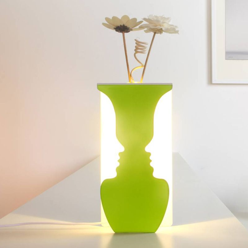 Лампа ваза Lights Wall DecorПодарки<br>Лампа  ваза<br>Размер: 10 х 4 х 20 см; Объем: None; Материал: Металл; Цвет: Лайм;