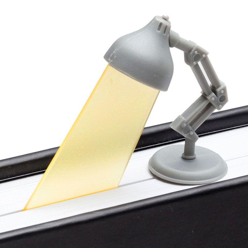 Закладка Lightmark сераяЗакладки для книг<br>Закладка Lightmark серая<br>Размер: 11 х 4.5 х 2 см.; Объем: None; Материал: Полипропилен; Цвет: Серый;