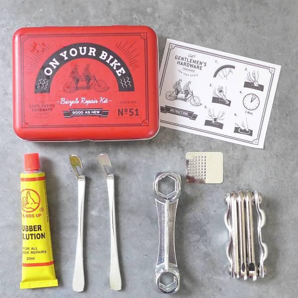 Велосипедный ремнабор On Your Bike ключи и заплаткиЛюбимому<br>Велосипедный ремнабор (ключи + заплатки)<br>Размер: None; Объем: None; Материал: Резина, металл; Цвет: None;