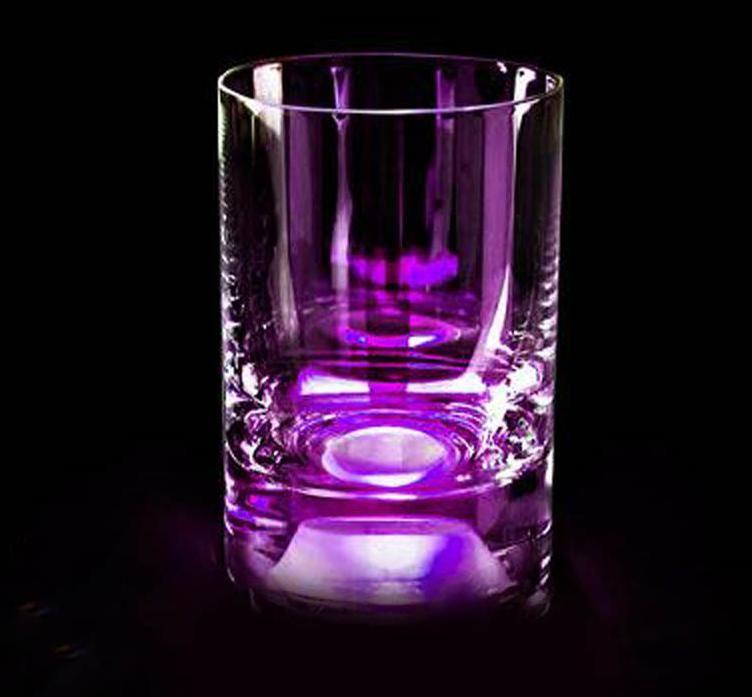 Светящийся бокал для виски GlasShine (Фиолетовый)Хэллоуин<br>Светящийся бокал для виски с фиолетовой подсветкой.<br>Размер: None; Объем: 270 мл; Материал: Стекло; Цвет: Фиолетовый;