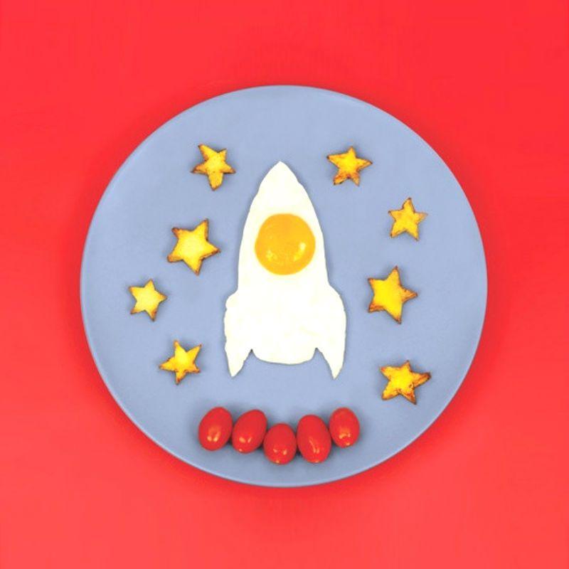 Форма для яичницы RocketПодарки<br>Форма для яичницы Rocket<br>Размер: 20 x 17.5 x 2.5 см.; Объем: None; Материал: Силикон; Цвет: Красный;