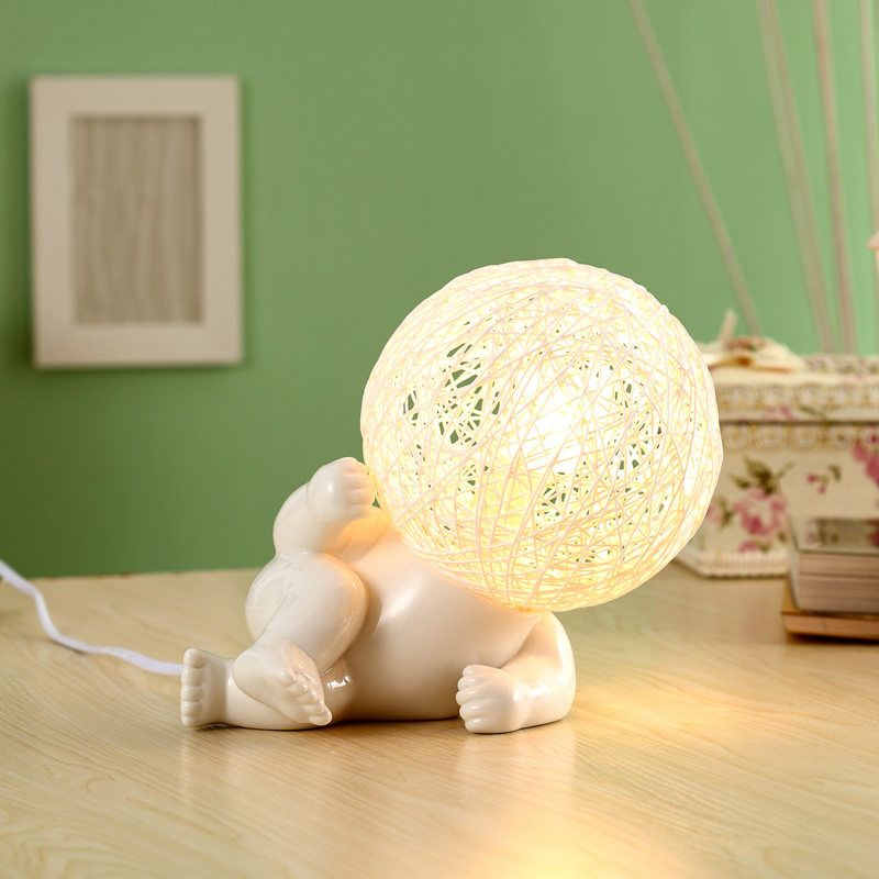 Лампа - ребенок Life play differentПодарки<br>Лампа –  ребенок (на боку)<br>Размер: None; Объем: None; Материал: Керамика; Цвет: None;