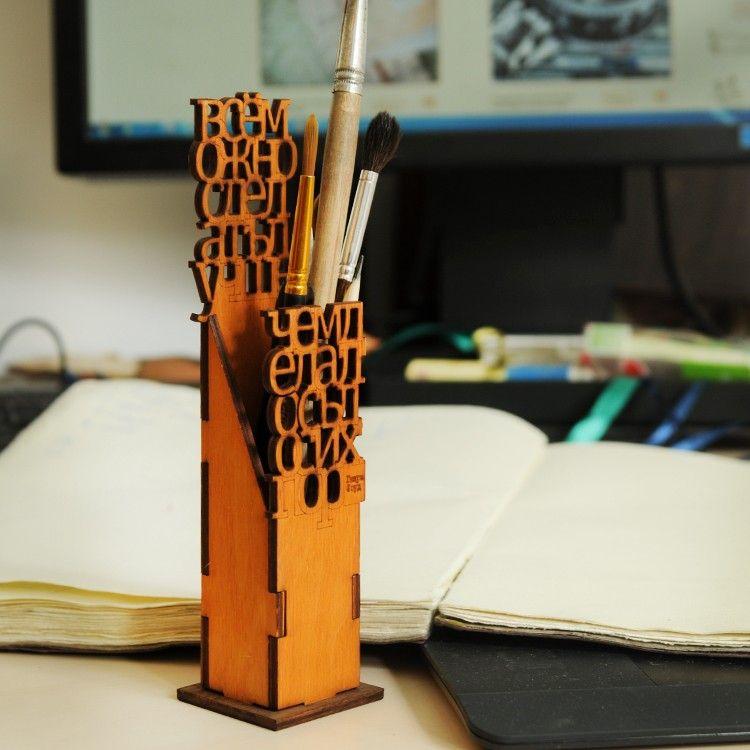 Карандашница Генри ФордРабочий стол<br>Карандашница Генри Форд<br>Размер: 5 х 5 х 21 см.; Объем: None; Материал: Дерево; Цвет: None;