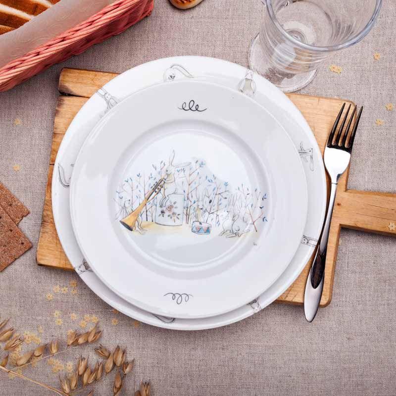 Тарелка Пляски Кролей, 20 смЛюбимому<br>Пляски Кролей у вас на тарелке.<br>Размер: 20 см; Объем: None; Материал: Фарфор; Цвет: Белый;