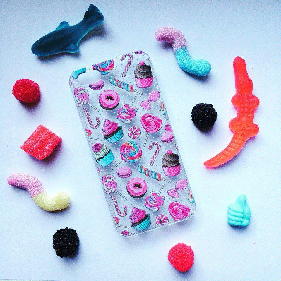 Чехол Ассорти для iPhone 7 (Сладости)Подарки<br>МММ какая вкуснятина и все это на твоем смартфоне.<br>Размер: None; Объем: None; Материал: Пластик; Цвет: Белый / Розовый;