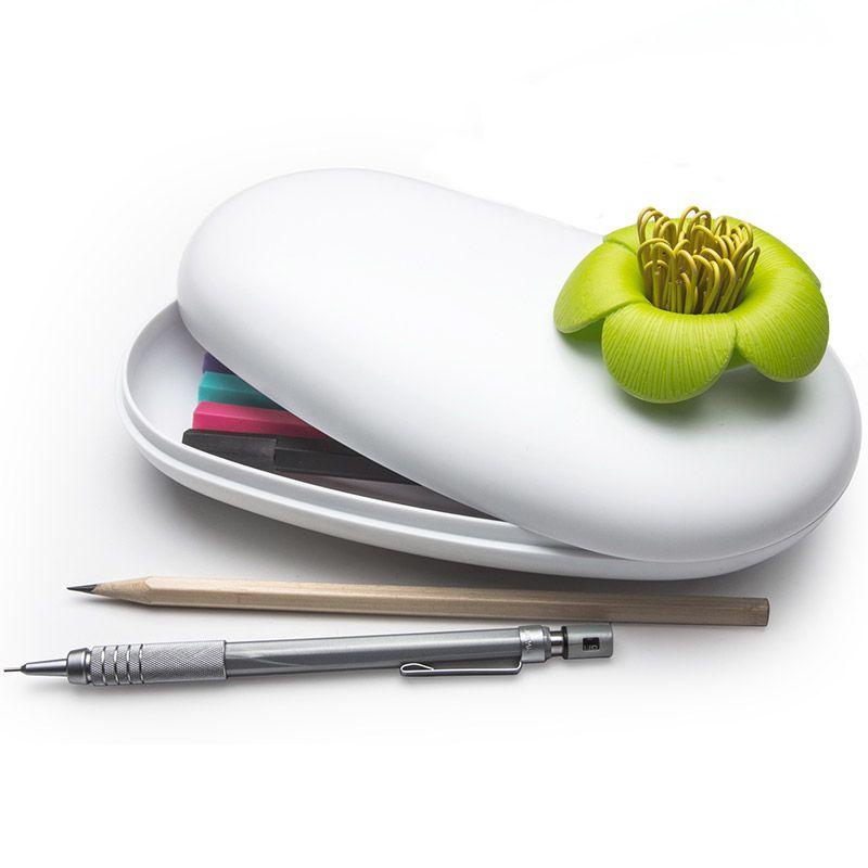 Пенал-шкатулка Blossom белый/зеленыйПисьменные принадлежности<br>Пенал-шкатулка Blossom белый/зеленый<br>Размер: 8.2 x 20 x 10.8 см; Объем: None; Материал: Пластик; Цвет: None;