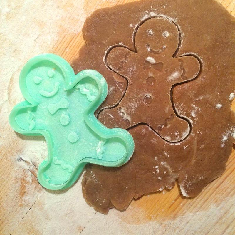 Форма для печенья Пряничный человечекПодарки<br><br>Размер: None; Объем: None; Материал: Пластик; Цвет: Зеленый;