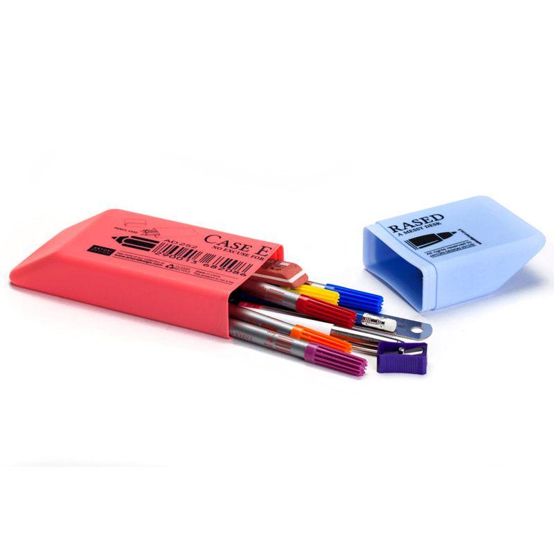 Пенал Case erasedДевочкам<br>Пенал Case erased<br>Размер: 23 х 3 х 7 см; Объем: None; Материал: Пластик, паста для лепки; Цвет: Комбинированный;