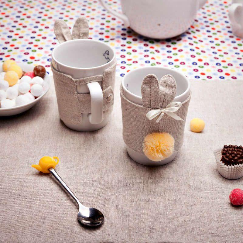 Кружка в чехле Кроль Ушастый - Девочка, помпон шампаньСыну<br>Можно мыть в посудомойке и использовать в микроволновке, не испортив дизайн кружки.<br>Размер: 350 мл.; Объем: None; Материал: Фарфор; Цвет: None;