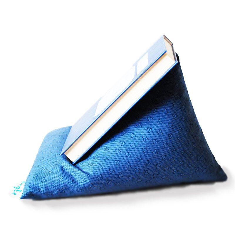 Текстильная подставка для книги/планшета AngLeПодарки<br>Текстильная подставка для книг вполне стильный подарок.<br>Размер: 30 х 22 см; Объем: None; Материал: Хлопок; Цвет: Синий;