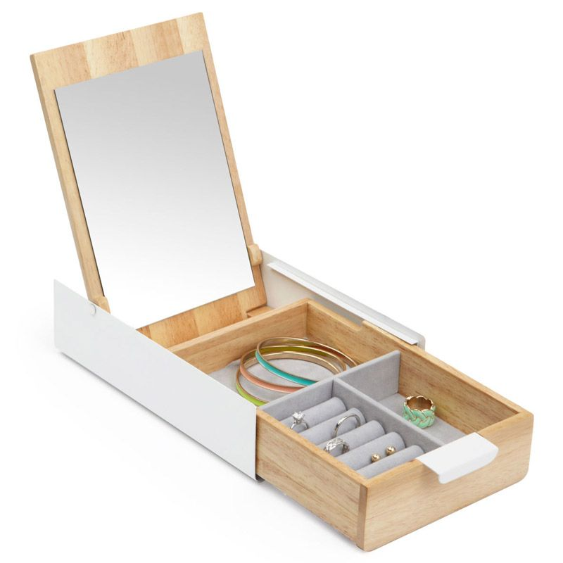 Шкатулка для украшений ReflexionБрату<br>Шкатулка для украшений Reflexion<br>Размер: 23.3х5.7х14.4; Объем: None; Материал: Дерево, стекло, металл; Цвет: None;