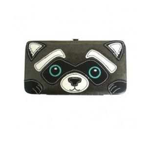 Кошелек Freaks And Friends Raccoon Diner Glitter WalletСумки и органайзеры<br>Кошелек Freaks And Friends Raccoon Diner Glitter Wallet<br> <br>Забавный кошелек с фриковским енотом, не даст грустить каждый раз расплачиваясь на кассе.<br>Размер: 18 х 10 х 2 см; Объем: None; Материал: Плюш; Цвет: Белый / Черный;