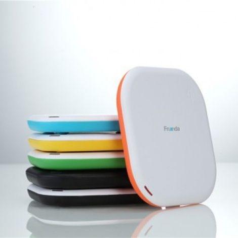 Беспроводная зарядка Creative (Бело - оранжевый)Подарки<br>Беспроводные технологии коснулись, не только передачи данных, но и зарядных устройств.<br>Размер: 100 х 100 мм; Объем: None; Материал: Пластик ABS, силикон; Цвет: Оранжевый;