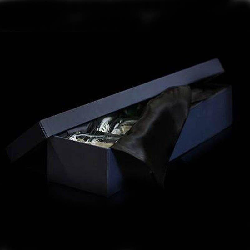 Коробка подарочная для 5-ти бокалов виски (черная, синяя)Упаковка<br>Коробка подарочная для бокалов синего цвета.<br>Размер: 50х14х10; Объем: None; Материал: Картон, бумага, текстиль.; Цвет: None;