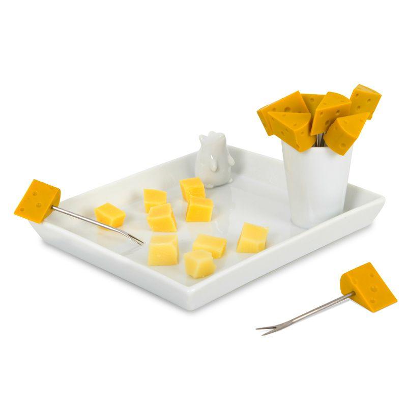 Набор блюда и шпажек для сыра I Love CheeseКулинария<br>Набор блюда и шпажек для сыра I Love Cheese<br>Размер: 15.2 x 17.3 x 6 см; Объем: None; Материал: Керамика, нержавеющая сталь; Цвет: None;