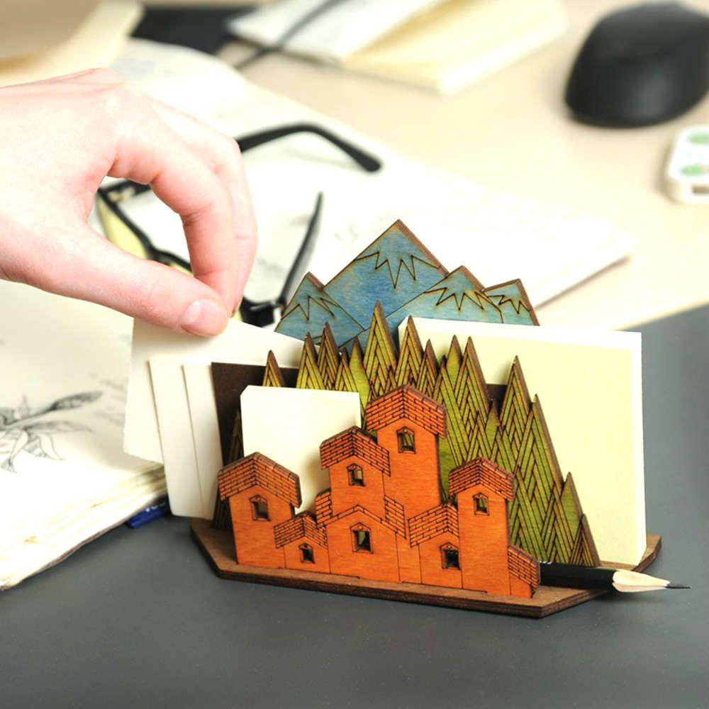 Держатель для бумаг ПейзажОригинальные подарки для дома<br>Держатель для бумаг Пейзаж<br>Размер: None; Объем: None; Материал: Дерево; Цвет: Бежевый;
