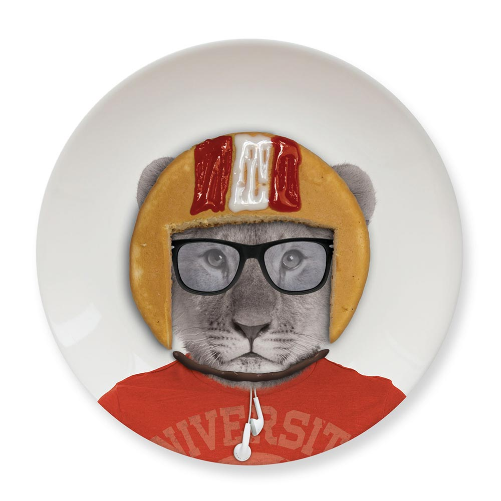 Обеденная тарелка Baby LionПодруге<br>Обеденная тарелка с милым львенком.<br>Размер: 2.1 x 17.4 x 17.4 см; Объем: None; Материал: Керамика; Цвет: None;