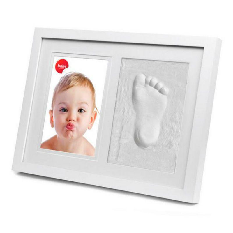 Фоторамка детская со слепком Walk of FameПодарки<br>Фоторамка детская со слепком Walk of Fame<br>Размер: 25 x 33 x 3 см.; Объем: None; Материал: Пластик, паста для лепки; Цвет: Белый;