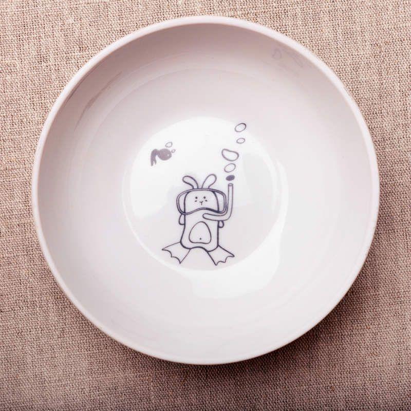 Сюжетная миска Кроль водолазТарелки и миски<br>Сюжетная миска Кроль водолаз<br>Размер: 4.5 x 13 x 13 см.; Объем: None; Материал: Фарфор; Цвет: Белый;