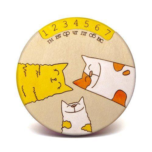 Вечный календарь СемейкаДевушке<br>Вечный календарь Семейка<br> <br> <br>Календарь с магнитиком столь необычный подарок - можно повесить на холодильник или любой другой металлическ...<br>Размер: 9 х 9 х 1,5 см; Объем: None; Материал: Дерево; Цвет: Оранжевый;
